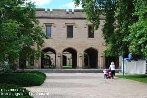 Melbourne University walk