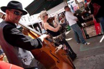 Rose Street market musicians