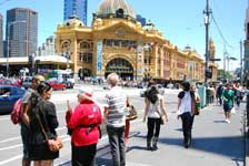 Discover Melbourne with a free guide